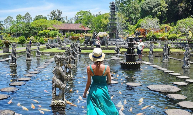Tirta Gangga Royal Water Garden: Bali Lempuyang Temple Tour